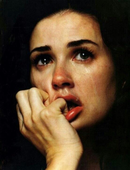 رمزيات بنات حزينة تبكي صور رمزيات حالات خلفيات عرض واتس اب انستقرام فيس بوك رمزياتي